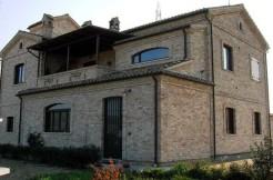 R15-casolare-pineto-rosburgo-immobiliare