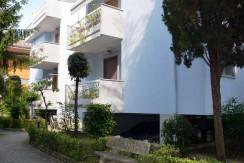 R45–comodo-appartamento-con-posto-auto-pochi-passi-mare