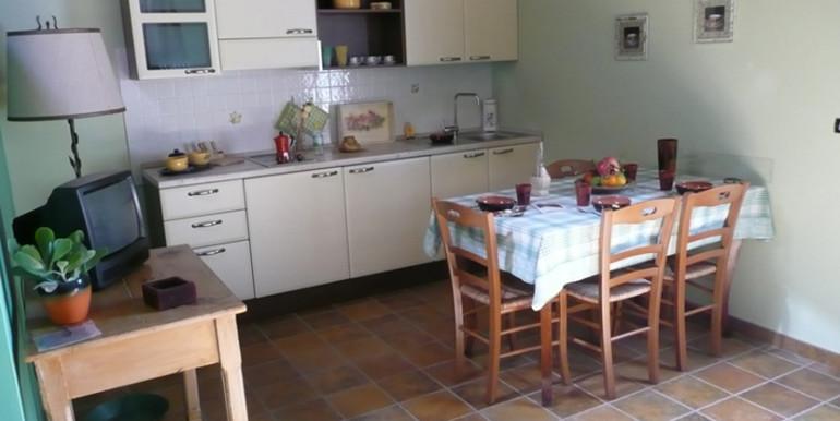 country-house-piscina-collina-rosburgo-immobiliare-15