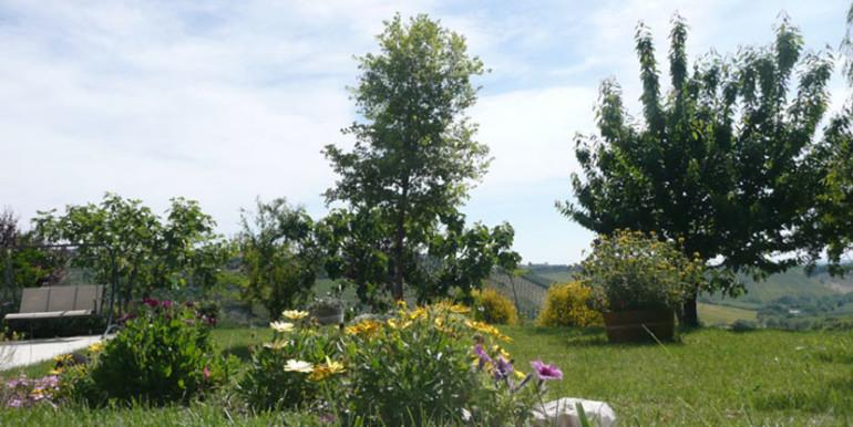 country-house-piscina-collina-rosburgo-immobiliare-25