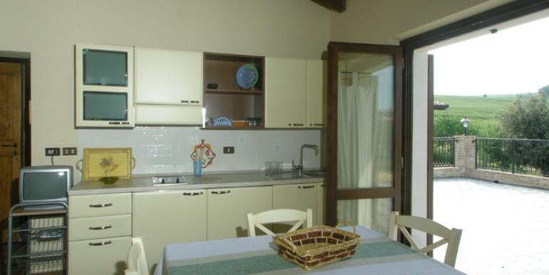 country-house-piscina-collina-rosburgo-immobiliare-41
