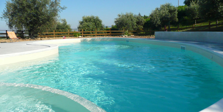 country-house-piscina-collina-rosburgo-immobiliare-50