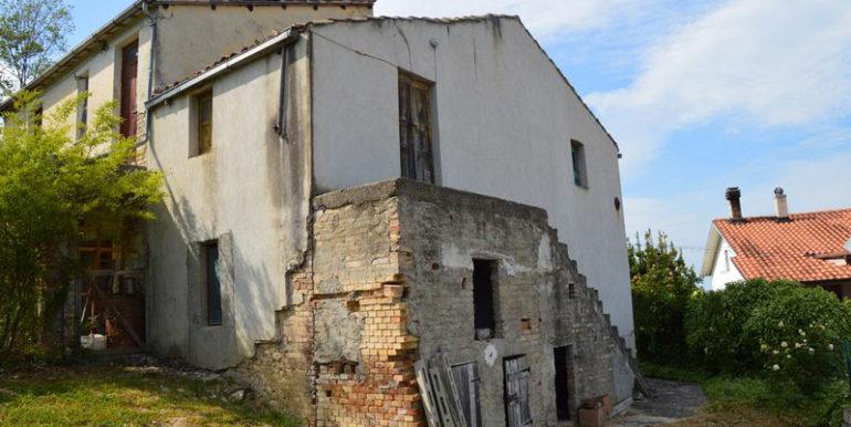 Agenzia_immobiliare_Rosburgo_service_casa_indipendente_casolare
