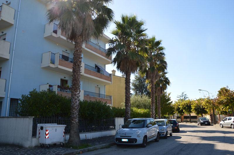 In zona collinare luminoso appartamento con garage  – R43