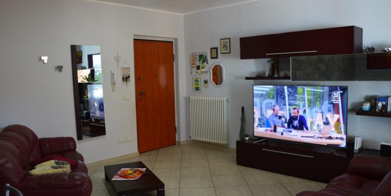 R43_via_le_quote_soggiorno1