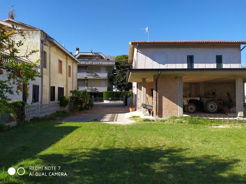 Casa singola da rimodernare a Scerne di Pineto – R31