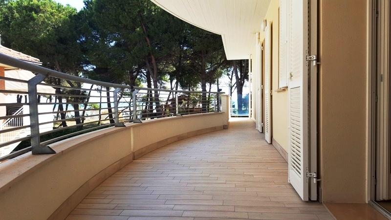 Appartamento con posto auto FRONTE MARE – R07D